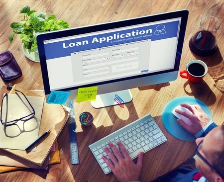 Consumer filling out loan application online